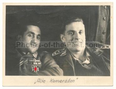 Piloten der Luftwaffe mit Frontflugspange und Eisernen Kreuz