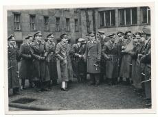 Offiziere der Luftwaffe in Berlin im Frühjahr 1945 ! Ritterkreuzträger ! Fliegerasse ! Adolf Galland !