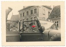Adolf Hitler mit Offizieren im Mercedes Benz G 4 PKW in Dünkirchen Frankreich 1940