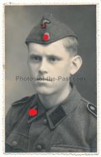 Portrait Waffen SS Sturmmann mit Totenkopf Schiffchen !