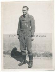 SS Untersturmführer der SS Panzer Division Das Reich in Sturmgeschütz Uniform