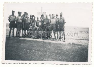 Landser Deutsches Afrika Korps DAK vor Wegweiser