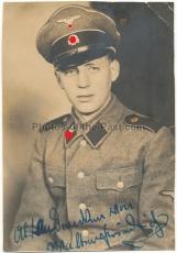 Portrait Waffen SS Schütze mit Schirmmütze