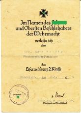 Urkundengruppe Eisernes Kreuz 2. Klasse - Kraftfahrbewährungsabzeichen in Bronze - Kriegsverdienstkreuz 2. Klasse mit Schwertern