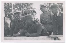 Adolf Hitler Reichsführer SS Heinrich Himmler und General Walter von Reichenau in Kielce Polen 1939