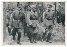 Adolf Hitler mit dem Duce Benito Mussolini an der Wolfsschanze