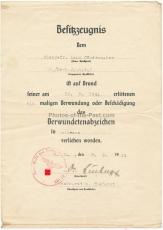 Besitzzeugnis Verwundetenabzeichen in schwarz für einen Obergefreiten im Fallschirmjäger Regiment 7 für seine Verwundung am 30.8.1944