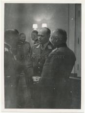 Generalfeldmarschall Kesselring in der Reichskanzlei im Juni 1941 - Ritterkreuzträger der Luftwaffe und des Heeres