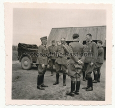 General der Infanterie Oßwald zu Besuch ei Offizieren des IX. Armeekorps in Russland - Ritterkreuzträger des Heeres - General der Infanterie Schmidt