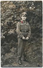 Portrait Foto Waffen SS Unterscharführer / Unteroffiziersanwärter mit Ehrenwinkel für alte Kämpfer