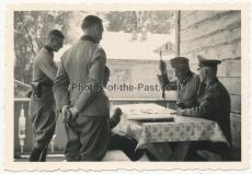 Ritterkreuzträger des Heeres - Generalfeldmarschall von Reichenau auf dem Div. Gefechtsstand der 297. Infanterie Division in St. Witkownowy Ukraine
