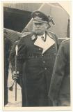 Ritterkreuzträger Generalfeldmarschall Hugo Sperrle mit Interimsstab am Seeflughafen Brest Frankreich GFM