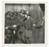 Ritterkreuzträger bei Orden Verleihung an der Front