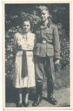 Portrait Foto LAH Leibstandarte Waffen SS Mann mit Ärmelband Adolf Hitler und SS Schule