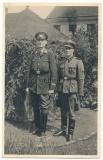 Portrait Foto Leibstandarte Waffen SS Sturmmann mit Ärmelband Adolf Hitler neben Offizier vom Roten Kreuz