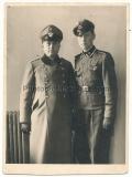 Portrait Polizei Hauptwachtmeister und Waffen SS Unterscharführer mit Ärmelband Das Reich