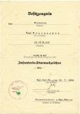 Urkundengruppe Infanterie Sturmabzeichen in Silber - Verwundetenabzeichen in Schwarz - Eisernes Kreuz 2. Klasse und Portrait Foto