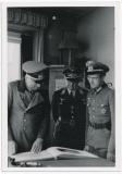 Generalfeldmarschall von Kleist mit Offizieren in Breslau Polen 1943 - Ritterkreuzträger der Wehrmacht
