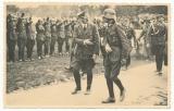 Adolf Hitler mit dem Kommandeur der 30 Infanterie Division Kurt von Briesen in Polen
