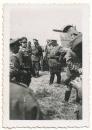 Generalfeldmarschall Hermann Göring mit Offizieren der Luftwaffe