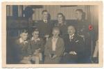 Familien Portrait SS Mann mit Ärmelband SS Schule Braunschweig !