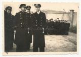 3 Fotos U Boot Korvettenkapitän Wolfgang Lüth in Gotenhafen Chef der 22. U Flottille 1944 - Ritterkreuzträger der Kriegsmarine