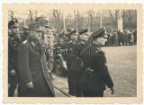 Reichsarbeitsführer Konstantin Hierl und SS Männer in Goslar 1937