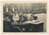 Rudolf Heß im PKW in Goslar 1937