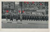 Adolf Hitler und SS Ehrenkompanie am Bahnhof in Essen III / SS GERMANIA Winterhilfswerk Karte