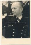 Ritterkreuzträger der Kriegsmarine - Führer der U Boote Großadmiral Karl Dönitz auf der Wilhelm Gustloff in Gotenhafen 1943