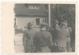 Ritterkreuz Verleihung der Waffen SS in Estland am 23.8.1944 - Felix Steiner SS Oberführer Kdr. SS Inf.Rgt.(mot.) SS Sturmbannführer Wilhelm Schlüter SS Art. Reg. 54 und SS Hautsturmführer Karl Heinz Ertel Adjutant SS Pz.G. Reg. 49