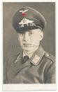 Portrait Luftwaffe Flieger mit Schirmmütze
