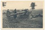 Ritterkreuzträger des Heeres - Offiziere der Panzertruppe am Artillerie Geschütz im Osten 1942