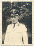 Portrait Waffen SS Untersturmführer in weißer Uniform Jacke vom Regiment DEUTSCHLAND ! Gefallen in Polen !