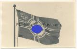 Hakenkreuzfahne weht am Fahnenmast